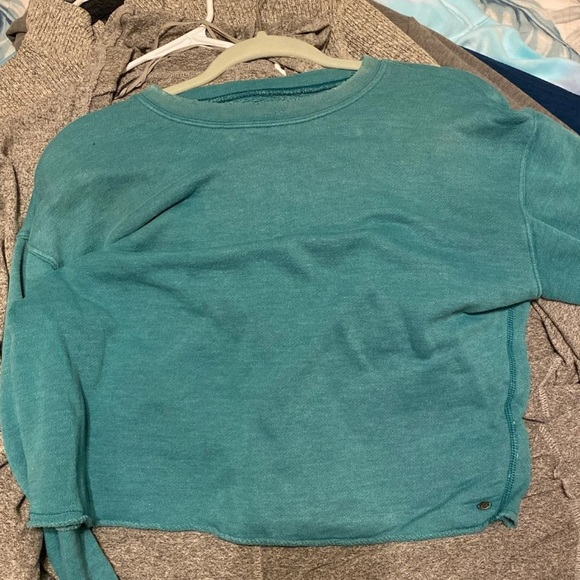 American Eagle Outfitters Tops - AE cropped shirt